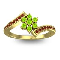 Simple Floral Pave Utpala Peridot Ring with Garnet in 14k Yellow Gold